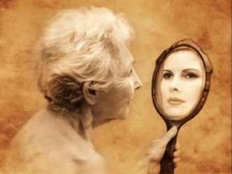 old_woman_mirror